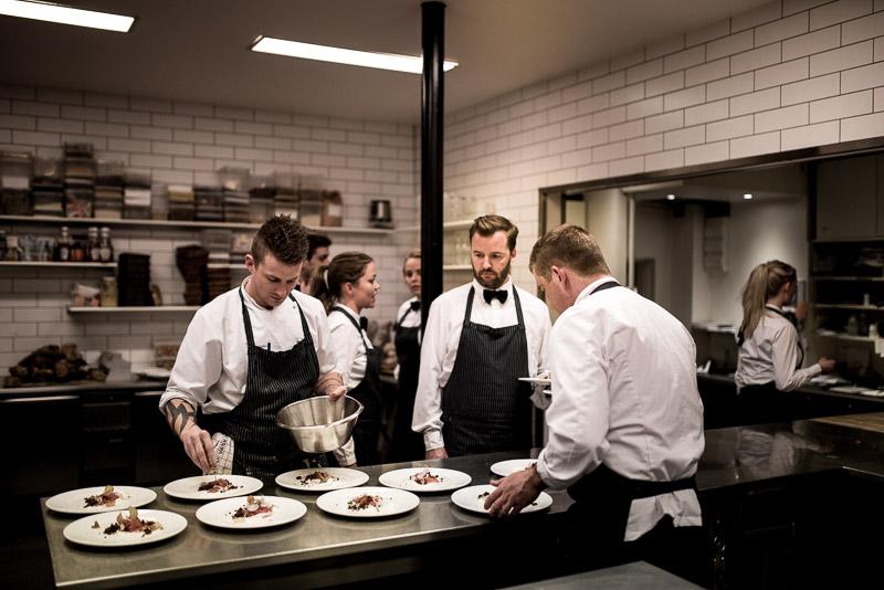 Billede fra køkkenet på Josty